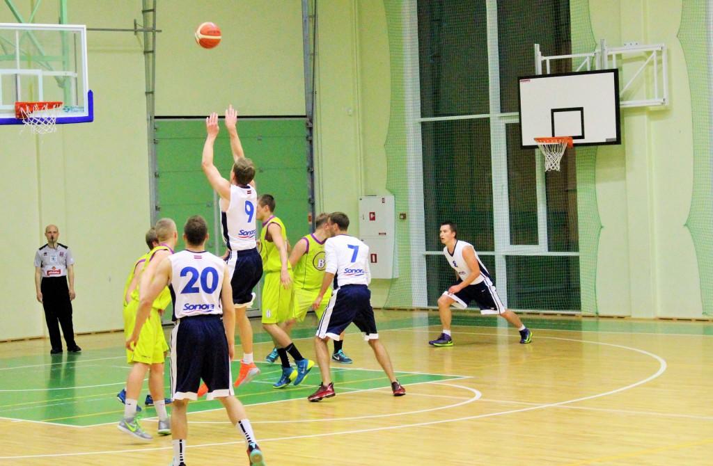 Sonora basketbols 55