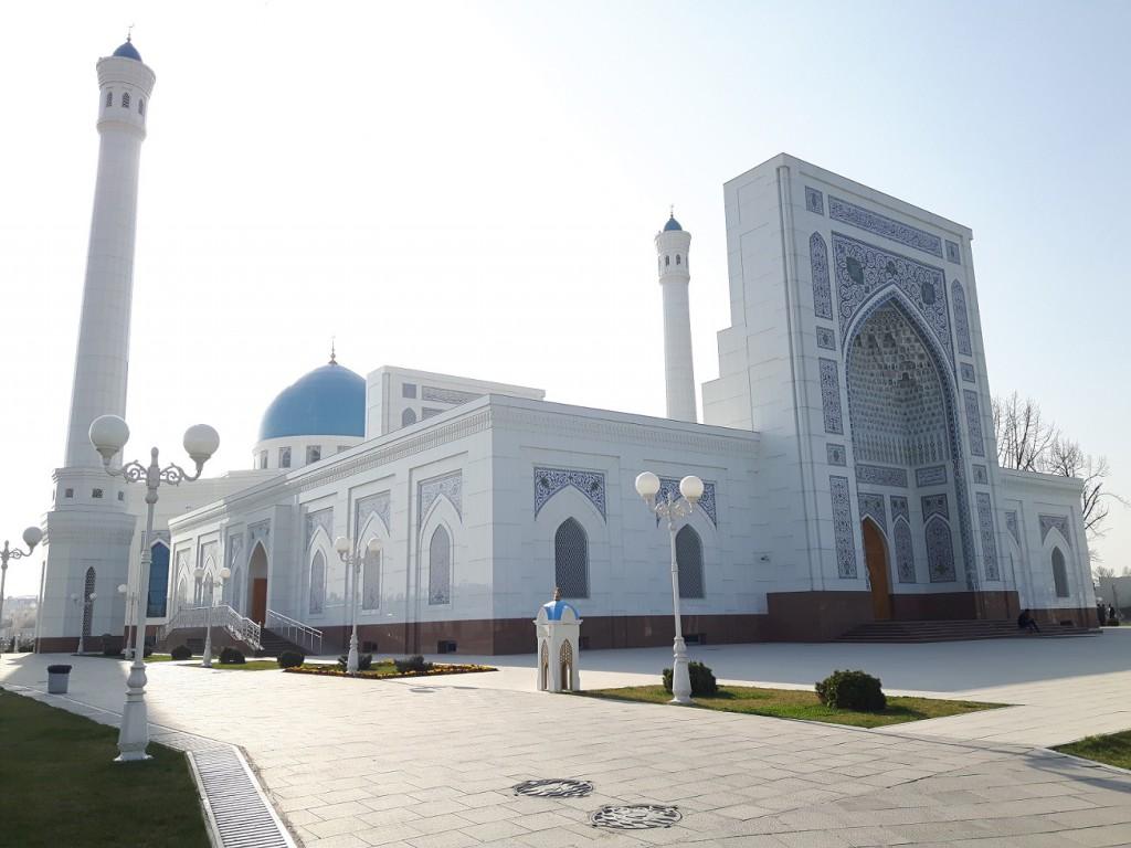 attīstība un loģistika Uzbekistānā