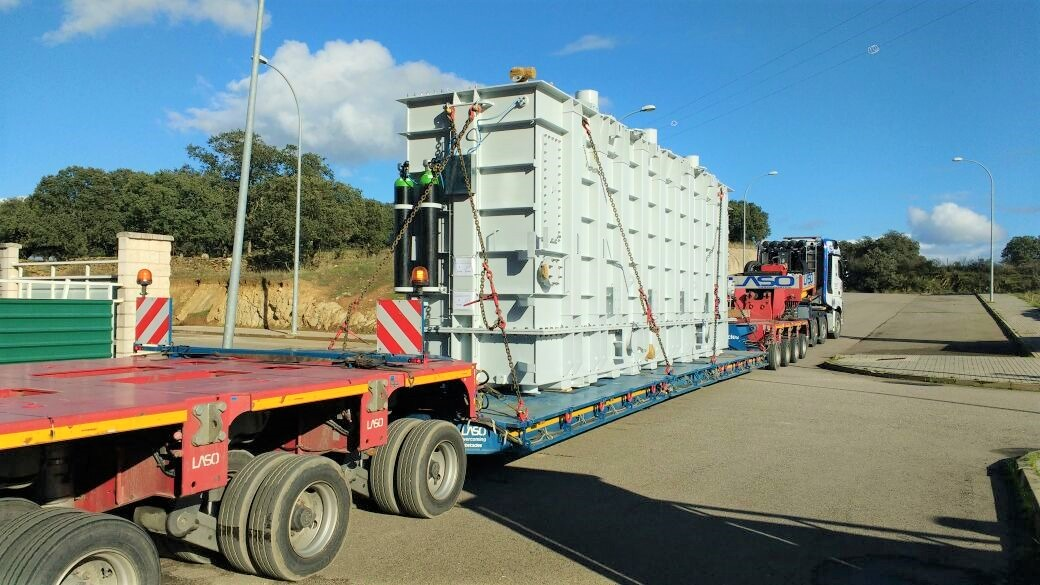 Nestandarta krava – transformatori no Spānijas uz Uzbekistānu